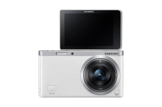 Самая тонкая и легкая SMART-камера Samsung NX mini