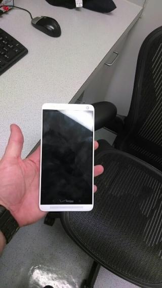 Фото HTC One max в реальной жизни