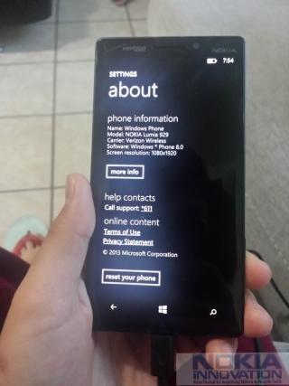 Nokia Lumia 929 показала себя изнутри на новых фото