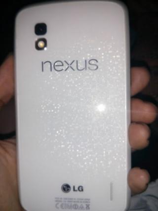 Белый Nexus 4: явление ожидается на Google I/O