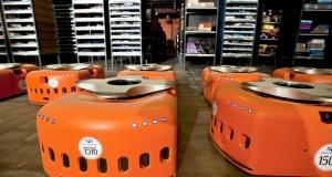 Забавные мини-боты со склада Amazon: в работе и в игре