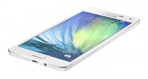 Samsung снимает с производства металлический смартфон Galaxy Alpha
