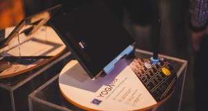 Lenovo представила в Украине устройства 2 в 1 Yoga Book
