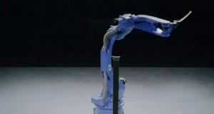 Однорукий робот победил мастера катаны в поединке