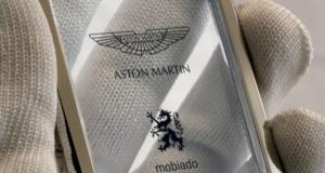 Смартфон моей мечты: прозрачный Aston Martin с платиновым обрамлением