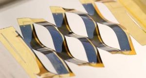 Киригами из солнечных панелей движутся по солнцу