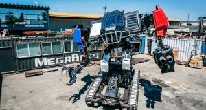 Американський робот демонструє готовність до двобою з противником із Японії (відео)