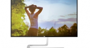 Новый монитор AOC: большой экран QHD и безрамочный дизайн