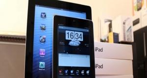 7 дюймовый планшет от Apple стоило бы назвать iBOOK