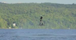 Рекордный полет на ховерборде (видео)