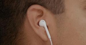 Apple поделилась мыслями о «естественной» геометрии наушников EarPods