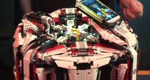 Лего-робот установил новый мировой рекорд по сборке кубика Рубика