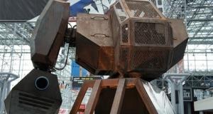 Гигантские роботы из США и Японии сразятся в следующем году