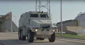 НАСА тестирует броневики MRAP для эвакуации космонавтов