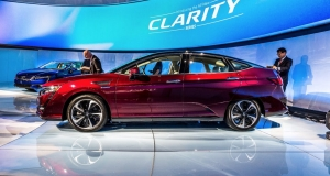 Honda представила електромобіль Clarity Electric та гібрид Clarity Plug-In Hybrid