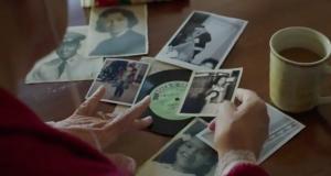 Apple поздравила с наступающими праздниками трогательным видеороликом