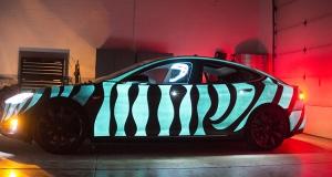 Краска LumiLor заставила Tesla Model S засиять под покровом ночи