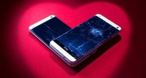 Минутка зависти: американцы получат одну бесплатную замену дисплея от HTC