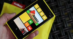 Продажи бюджетного Lumia 920 начнутся осенью 2013 года