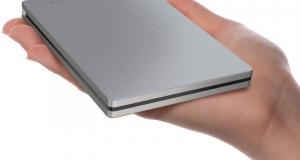 Toshiba представляет портативные жесткие диски Canvio Slim II