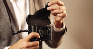 Самая легкая и компактная в мире камера с 30-кратным зумом уже в Украине