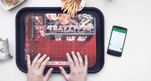 В KFC появились подносы, которые могут быть Bluetooth- клавиатурой для телефона
