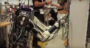 Исследователи из MIT создали робота с человеческими рефлексами
