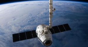 Элон Маск представил новую систему глобального спутникового интернета, в то время, как Google спонсирует SpaceX на $1млрд