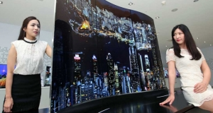 LG продемонстрировали двухсторонний телевизор и OLED-обои