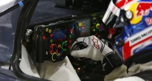Руль гоночного Porsche 919 сложнее вашей жизни