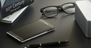 Samsung представит две версии флагмана Galaxy S6 и круглые смартчасы на MWC 2015