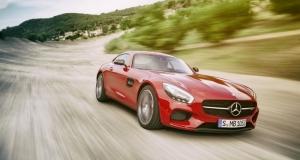 Невероятный Mercedes AMG GT в действии (видео)