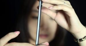 Vivo дразнит новыми фото 4.75 мм смартфона и объясняет, почему он такой тонкий