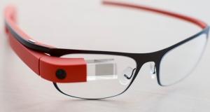 Таможенники в аэропорту будут использовать умные очки Google Glass