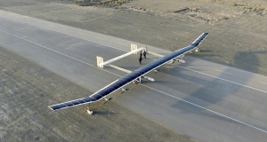 Гігантський безпілотник на сонячних батареях може перебувати у польоті декілька днів