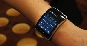 IFA 2014: первый взгляд на умные часы Samsung Gear S (видео)