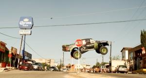 Чемпион Baja продемонстрировал возможности уникального суперкара Monster Trophy Truck