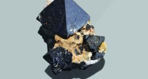 Сможет ли этот минерал питать планету электричеством?