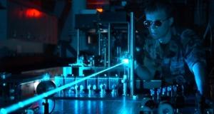 «Воздушное оптическое волокно» военных США увеличивает мощь лазерного оружия, цифровых сетей, и науки в целом