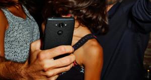 """Motorola представила смартфон Droid Turbo с 5.2"""" QHD дисплеем и 21 МП камерой"""