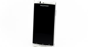 Обзор смартфона: Sony Ericsson Xperia Arc (LT15i)