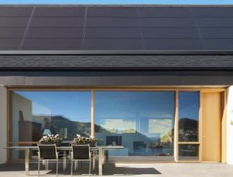 Tesla представила нові сонячні панелі