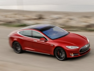 Tesla начала бета-тестирование функций автопилота вместе с владельцами