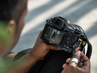 Нові бездзеркальні камери Nikon Z 7II та Nikon Z 6II