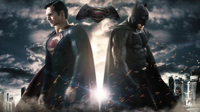 Смотрите, как Бэтмен уделывает Супермена в отмененной игре о Лиге Справедливости