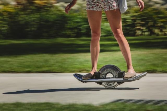 Почти ховерборд – скейт с одним колесом