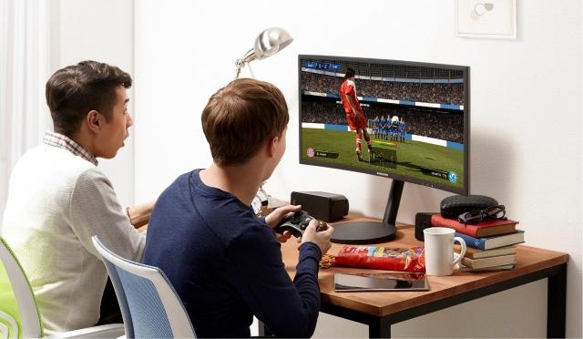 Старт продаж нового игрового монитора Samsung Curved Monitor