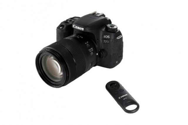 Дзеркальна камера EOS 77D і EOS 800D і найкомпактніший об'єктив 18-55 мм від Canon
