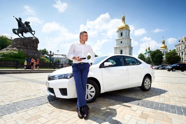 Рік Uber в Україні: мільйон завантажень, 5 міст, швидкість подачі менше  5 хвилин