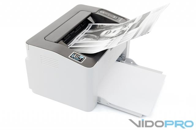 Видеообзор принтера Samsung Xpress M2020W: компактный и беспроводной